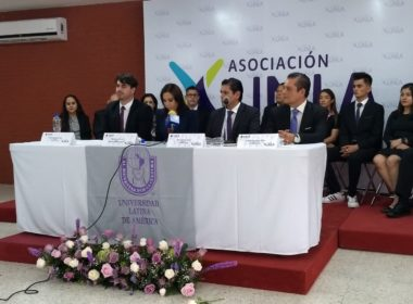 Egresados de la UNLA promueven el desarrollo del estado con asociación