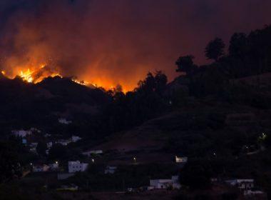 Evacuan a 9 mil personas en Gran Canaria