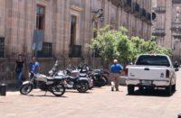 También calle Benito Juárez es usada de estacionamiento