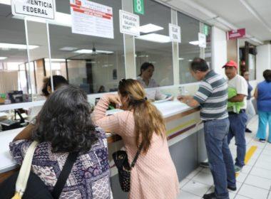 Tarde pero seguro; inicia dispersión del pago a maestros michoacanos