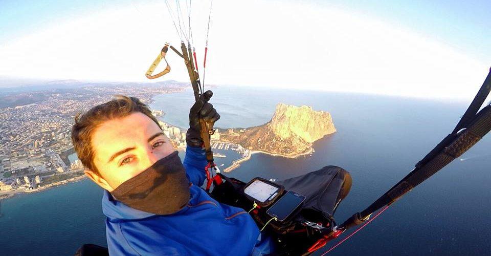 Youtuber muere al saltar en paracaídas
