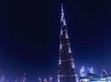El Burj Khalifa se pinta de verde, blanco y rojo