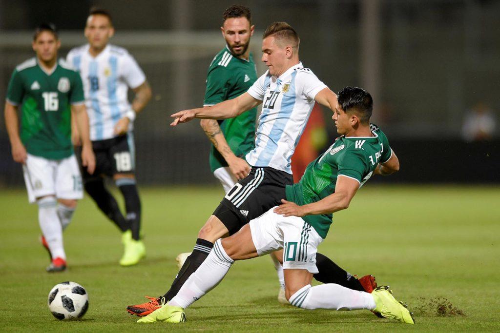 El Tri buscará romper 15 años de no ganar a Argentina