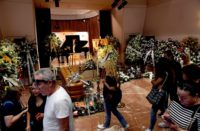 Miles dan último adiós a Camilo Sesto