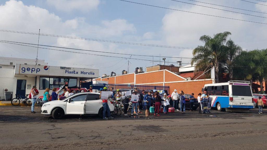 Exigen indemnización a Pepsi porque camión repartidor atropello a joven ciclista