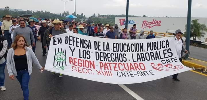 CNTE marcha en exigencia de pago de adeudos