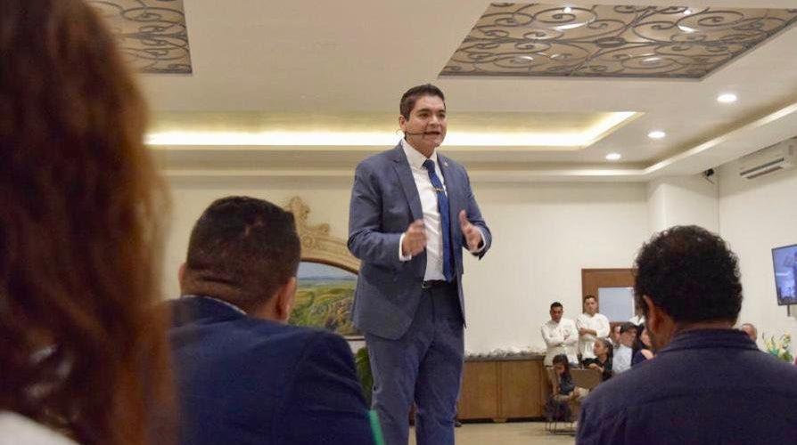 Arturo Hernández un diputado transparente