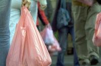 Ayuntamiento sin reglamento ni sanciones por uso de plastíco