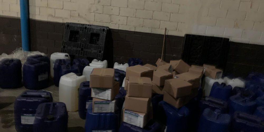En cateo, asegura FGE inmueble y recupera mercancía química robada con violencia
