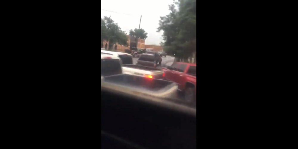 Con sicarios armados y camionetas, CJNG instala retenes en Michoacán