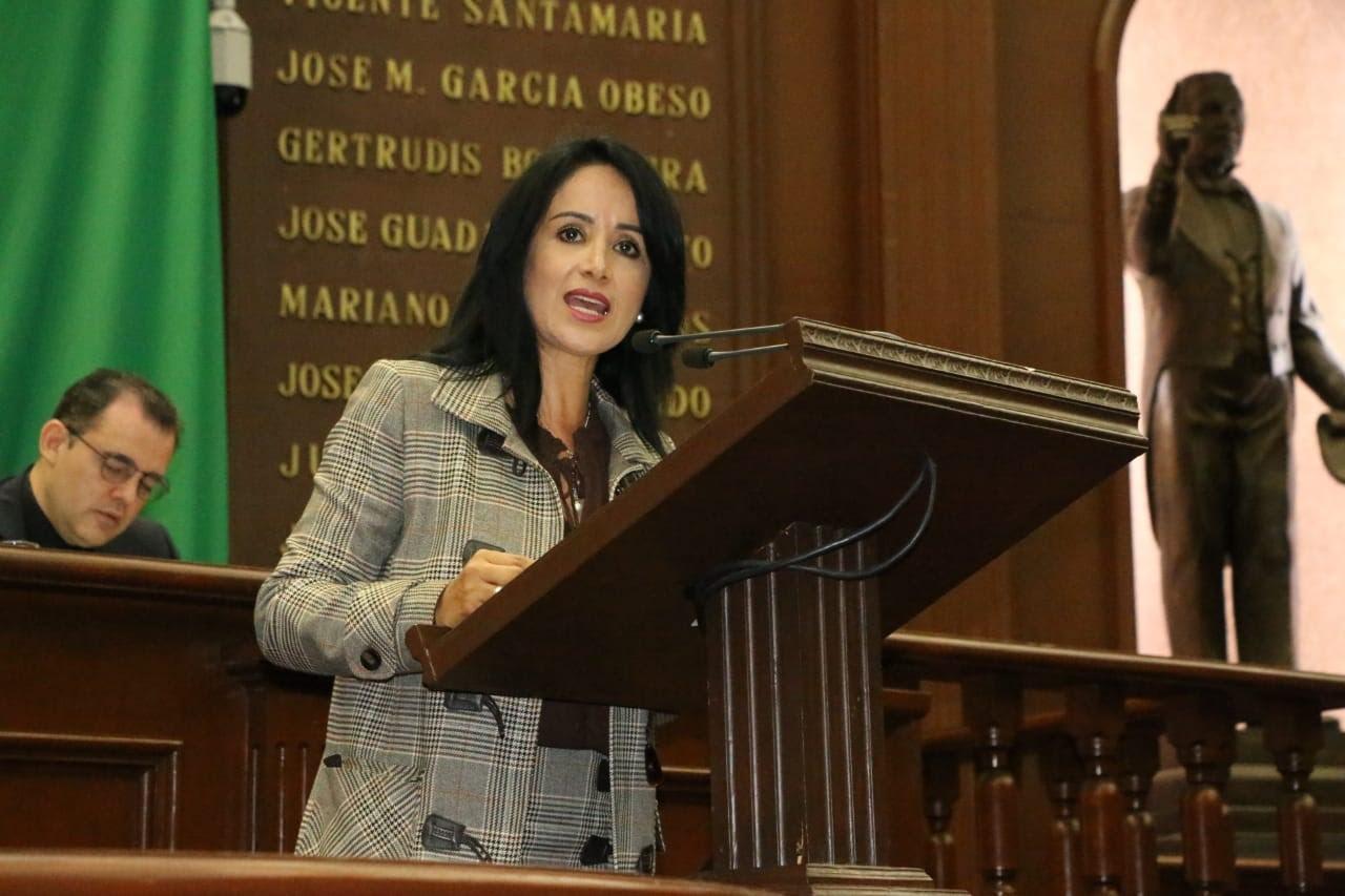 Descanso paternal criterio de equidad que debe ser previsto en la Ley: Lucila Martínez - Noticias de Michoacán - ContraMuro