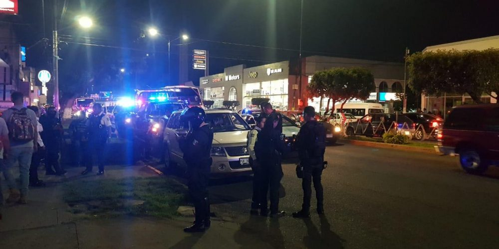 Por trifulca vehicular, le disparan en la avenida Madero