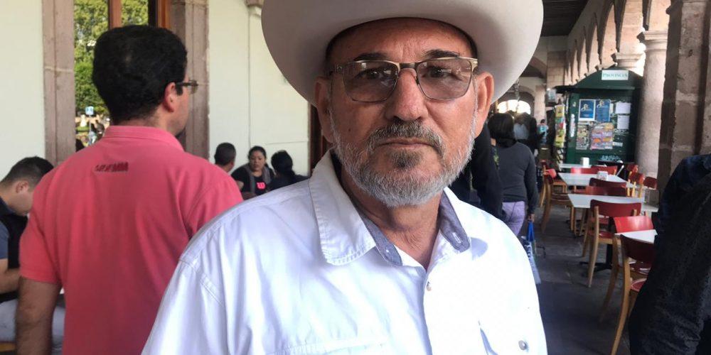 Si gobiernos no combaten al crimen, sociedad podría tomar armas: Hipólito Mora