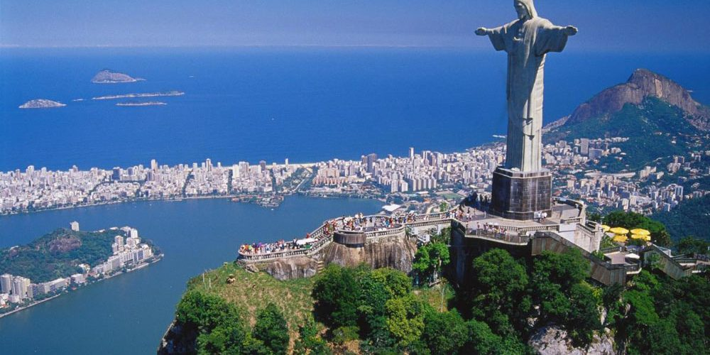 Cristo Redentor se viste con camisa del Flamengo