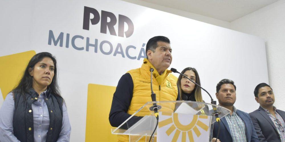 """""""Cortina de humo"""" rifa de avión presidencial: PRD"""