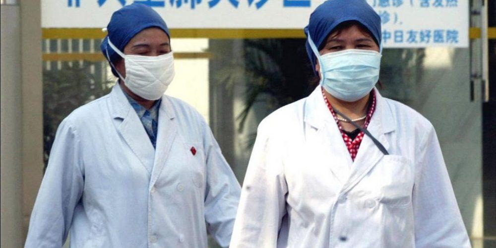 Confinan a 400 mil habitantes en China por Covid-19