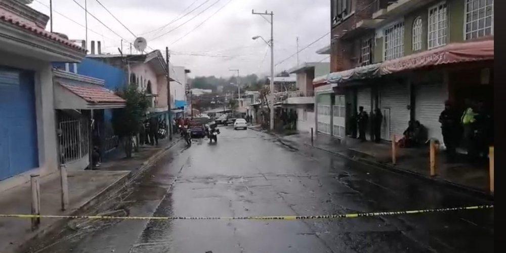 Albañiles descubren fosa clandestina con 11 cadáveres