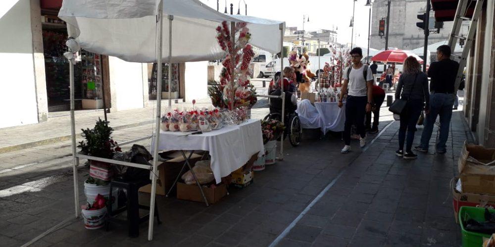 Por San Valentín, permitirán 46 ambulantes en el centro