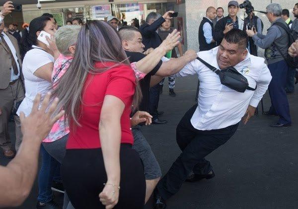 Mujeres taxistas denuncian acoso y termina en pleito