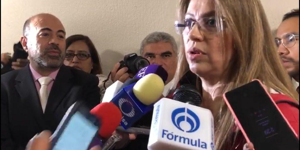 Exsecretaria acusa a Noroña de percibir sobresueldo por 90 mil pesos y de nepotismo