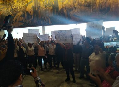 Zafarrancho en Cámara de Diputados; acusan a Reginaldo Sandoval de violar la vida interna de sindicatos