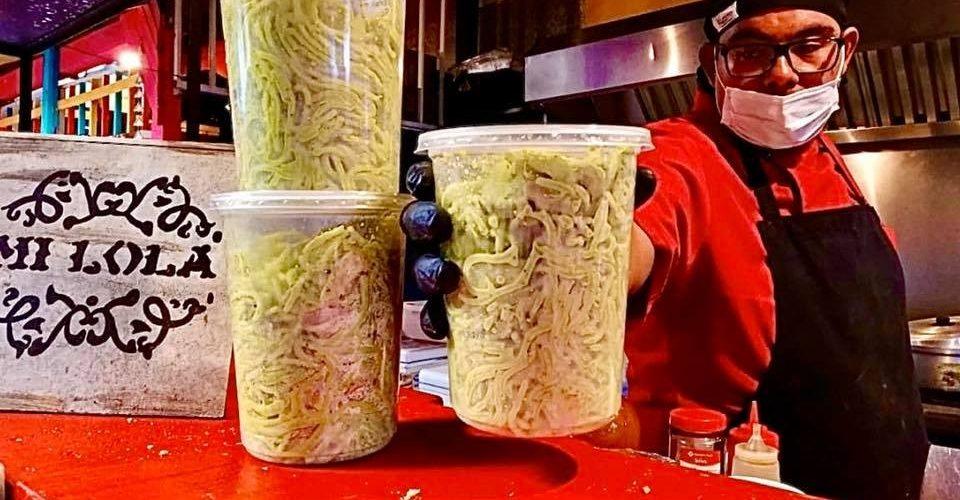Restaurantes morelianos regalan comida por COVID-19