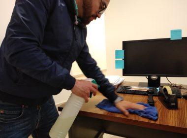 Llaman a mantener objetos de uso diario limpios contra Covid-19