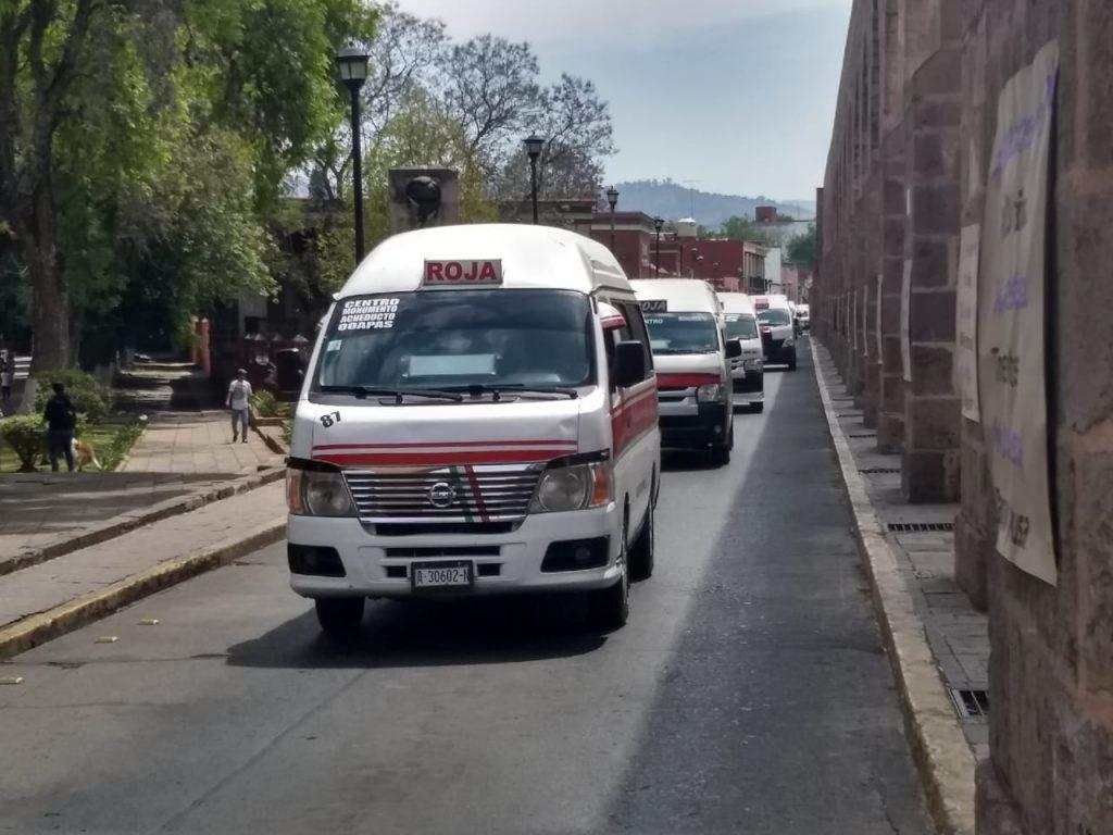 Transportistas insisten en eliminar o recortar ciclovía dominical