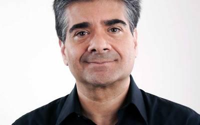 Escritor Héctor Ceballos