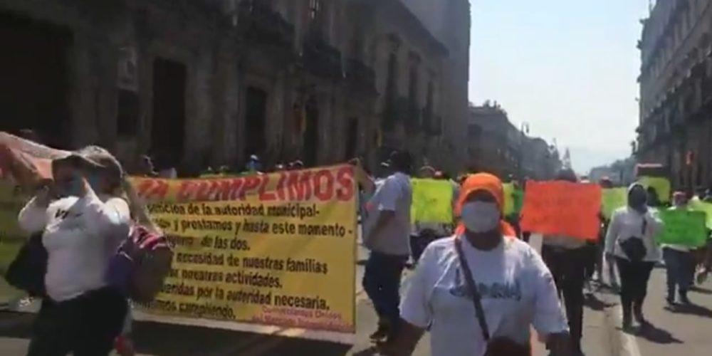 Locatarios y dueños de gimnasios se manifestaron en el centro histórico