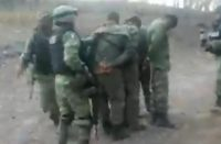 Video. Exhiben detención de militares adheridos al narco