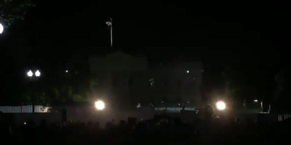 Casa Blanca apaga sus luces por primera vez en 131 años por manifestaciones