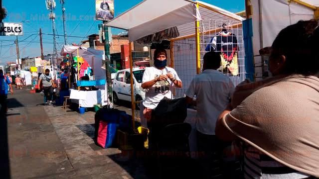 Seguridad pública y dirección de Mercados, resguardan la avenida Lázaro Cárdenas
