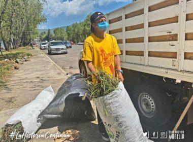 Afición del Atlético Morelia se une para limpiar el Coloso del Quinceo