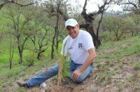 """En memoria de Pascual Sigala instituyen campaña: """"Un árbol por la vida"""""""