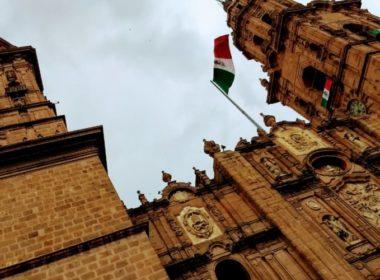 Por Covid-19 cierran Catedral de Morelia