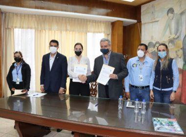 UNLA firma convenio con el SNTSS