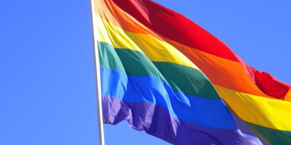 Relajarían prohibición que afecta a la comunidad LGBT