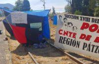 CNTE mantiene bloqueo en vías férreas