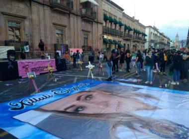 """""""Ni una asesinada más"""" exigen feministas"""