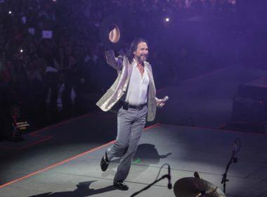 Reprograman conciertos presenciales de El Buki
