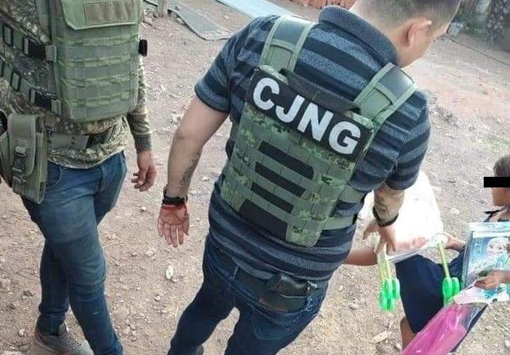 CJNG entrega juguetes a niños