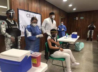 Inicia vacunación anticovid en Michoacán
