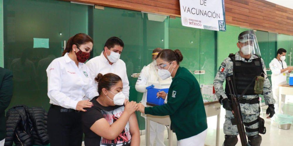 Inició vacunación anticovid en Michoacán