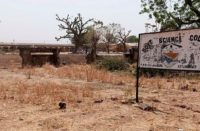 Hombres armados secuestraron a más de 300 niñas de secundaria