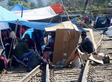 Amaga CNTE con toma de vías férreas ante incumplimiento del Estado