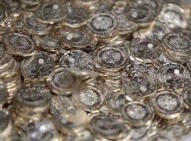 Circula en México nueva moneda de 20 pesos
