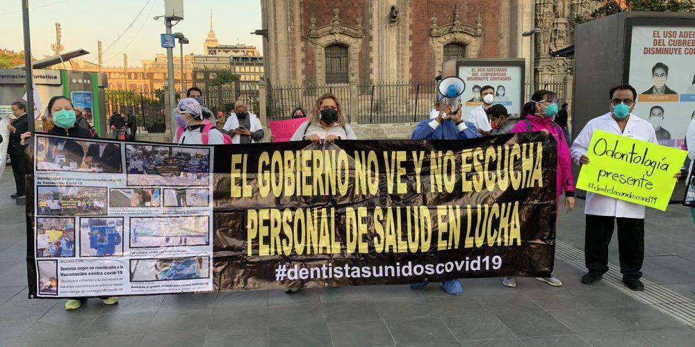Médicos privados exigen vacuna anticovid en Palacio Nacional