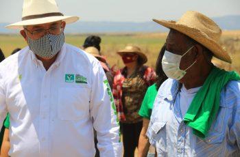 Pescadores y asociación civil cierran filas por Magaña de la Mora