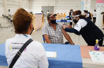 Ya están abiertos los módulos para vacunación en Michoacán